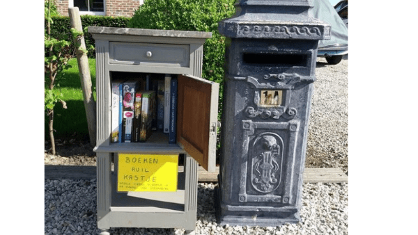 Duurzame Heistenaars boekenruilkastje Masheikedreef 1a Heist
